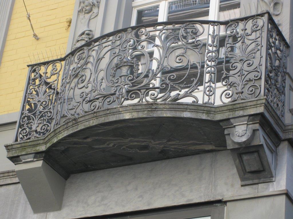 Balkon mit Geländer