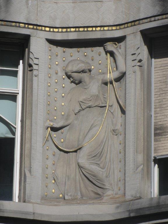 Frau Skulptur