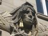 Indianer Skulptur an Fassade